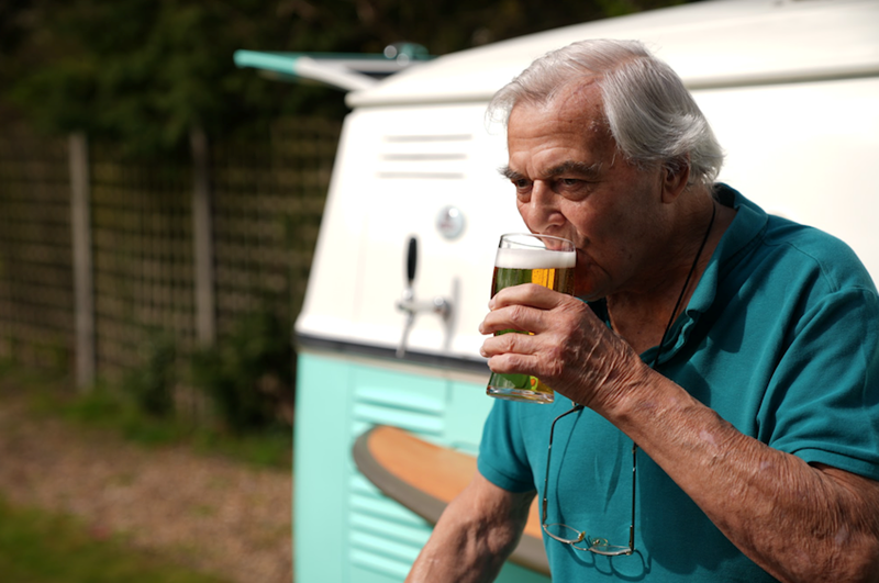 Care Home in West Byfleet: Pop-up Bar at Kings Lodge to Celebrate the Lifting of Restrictions!
